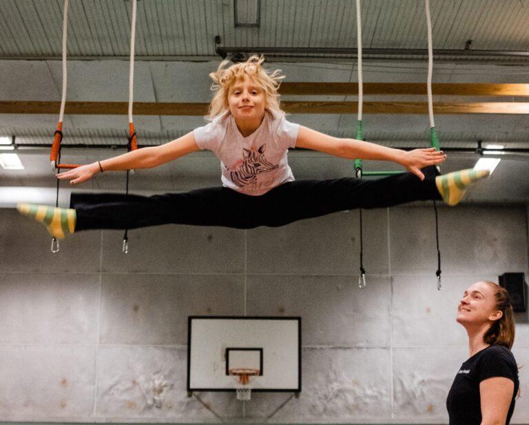 Split på trampolim